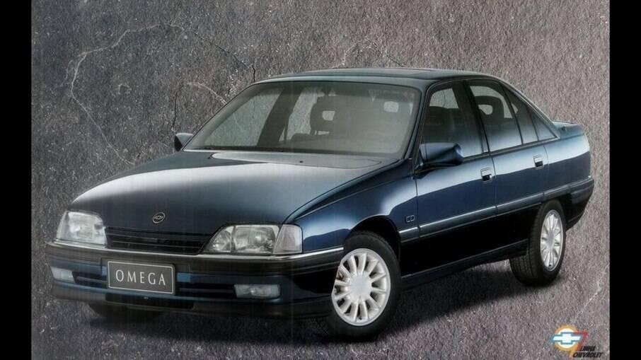 Em 1995, o Chevrolet Omega ganhava fôlego e pequenas mudanças no estilo como novidade