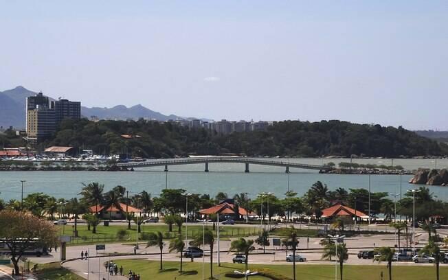 Vitória, no Espírito Santo, é um destino próximo a São Paulo que o turista pode chegar em um voo de menos de uma hora