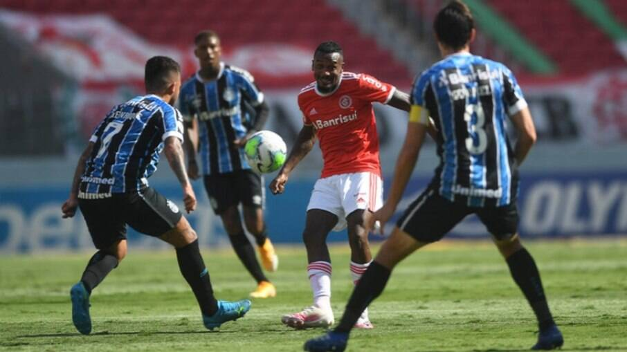 Inter venceu o Grêmio com gol de Edenilson