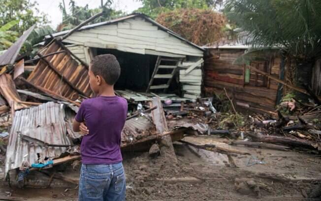 Além da República Dominicana, furacão Irma também passou por Haiti e Cuba e deve atingir os Estados Unidos