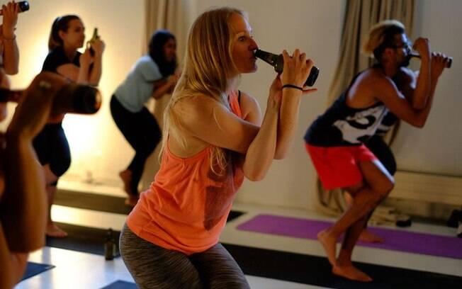 Segundo professora de yoga e dona do blog BeerAsana, a cerveja pode, sim, ser o caminho para uma vida mais harmônica