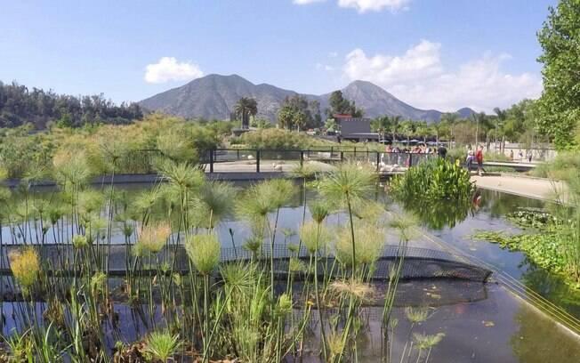 Cordilheira dos Andes completa o visual no Parque Bicentenário