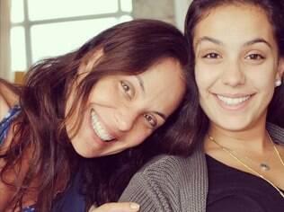 Carolina Ferraz e a filha Valentina