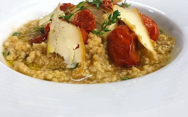 O risoto de aveia é saboroso e é um ótimo substituto do arroz