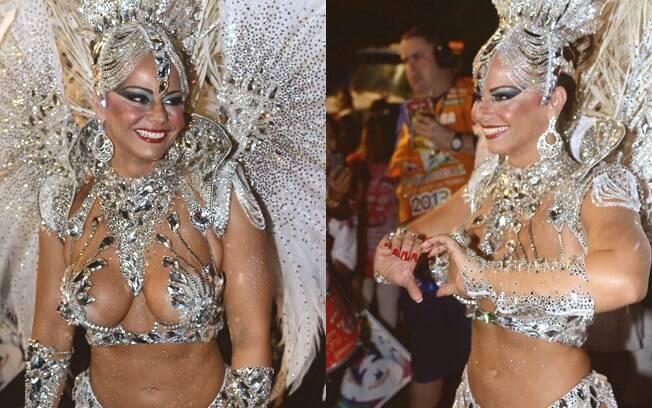 Viviane Araújo, rainha da bateria do Salgueiro, no sambódromo