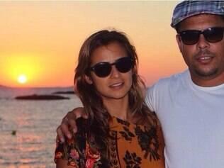 Em julho deste ano, rumores apontavam o fim do relacionamento, mas após algumas semanas, o casal voltou as boas e aproveitaram as férias em Ibiza