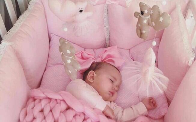 Amado Foto de bebê dormindo causa polêmica nas redes sociais - Filhos - iG EV29
