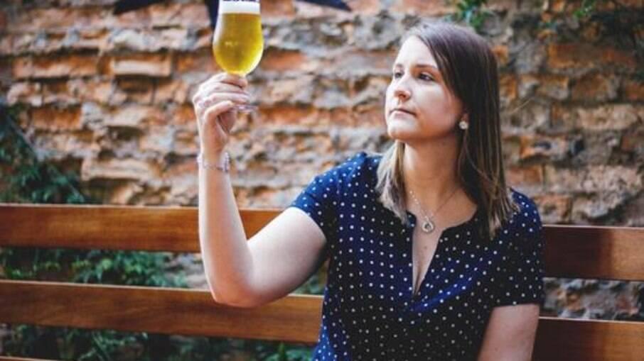 Laura é cervejeira há 14 anos