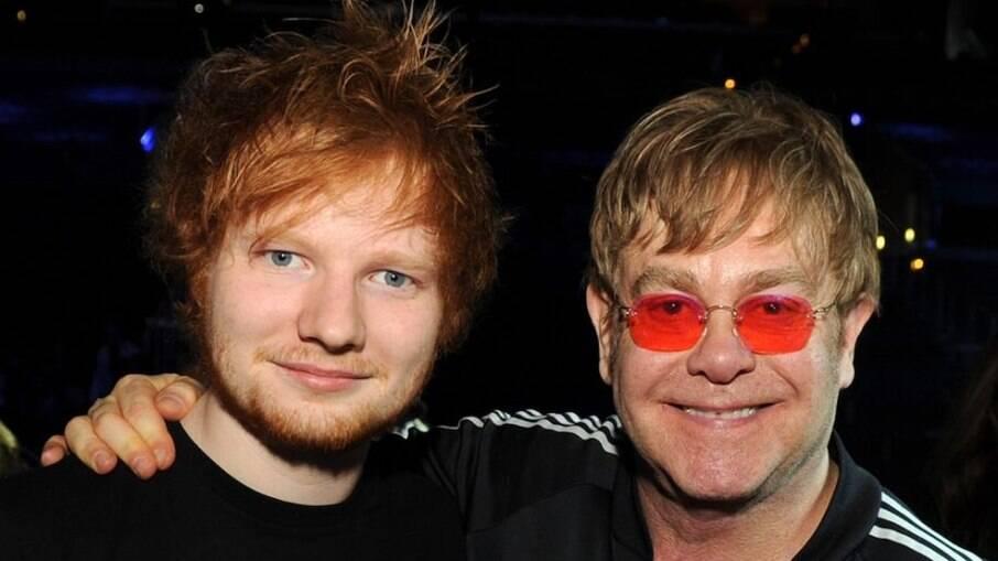 Ed Sheeran presenteou Elton John com item inusitado