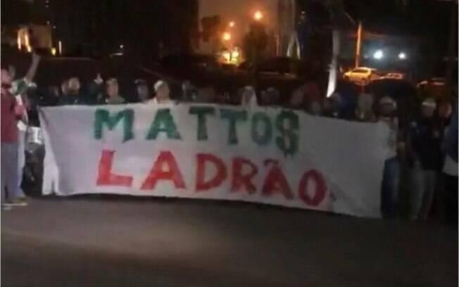 Torcedores do Palmeiras estão pedindo a saída de Alexandre Mattos
