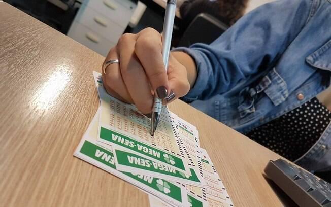 Apostas da Mega-Sena podem ser feitas em qualquer uma das 13 mil casas lotéricas do Brasil