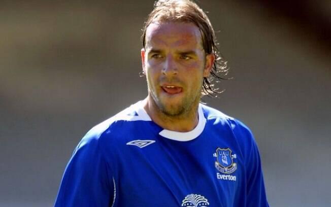 Andy Van der Meyde não foi bem no Everton