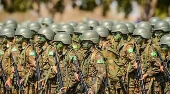 Investigação revela esquema de desvio de armas no Exército