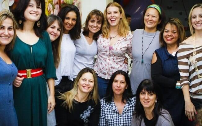 Um grupo de mulheres se conheceu e criou laços de amizade na escola dos filhos
