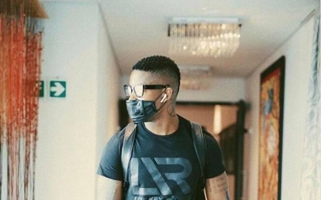 A produção de máscara se destina a pessoas que ainda precisam sair de casa para trabalhar