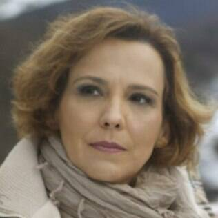 Eva (Ana Beatriz Nogueira)