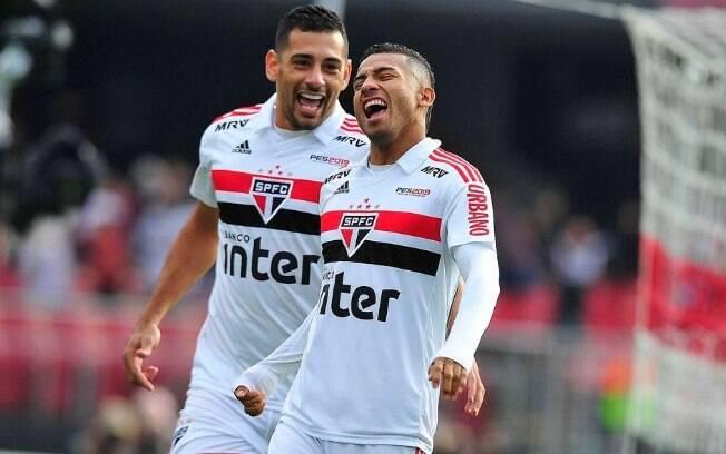 Rojas marcou o primeiro do São Paulo contra o Vasco