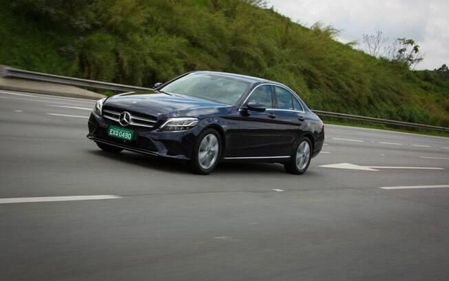Em seu facelift mais recente, o Mercedes-Benz Classe C ganhou até sistema de inteligência artificial