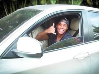 Força. Atacante Robinho foi à casa de Neymar para dar apoio ao jogador