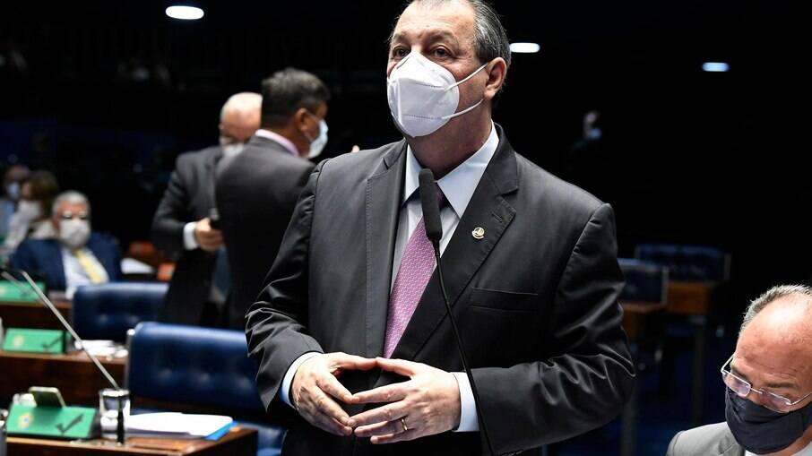 Omar Aziz afirmou que Guedes não deve 'se meter' em assuntos internacionais