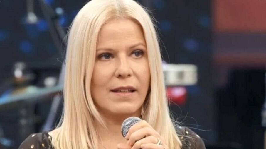 Cantora Paula Toller