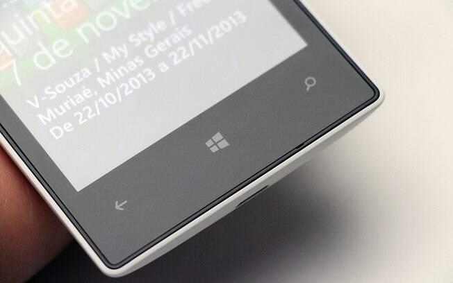 Lumia 520 roda o Windows Phone 8 com atualização Amber. Foto  Stella Dauer 6a52e2bc6a