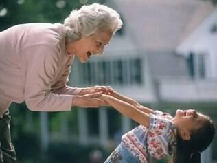 Cuidar dos netos é forma de manter corpo e mente ativos
