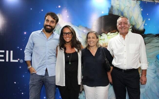 Ricardo Pereira com a mulher, Francisca, e a família