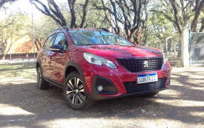 Peugeot 2008 vermelho