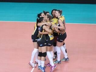 Em final idêntica a de 2013, Praia Clube voltou a levantar o troféu do Mineiro feminino
