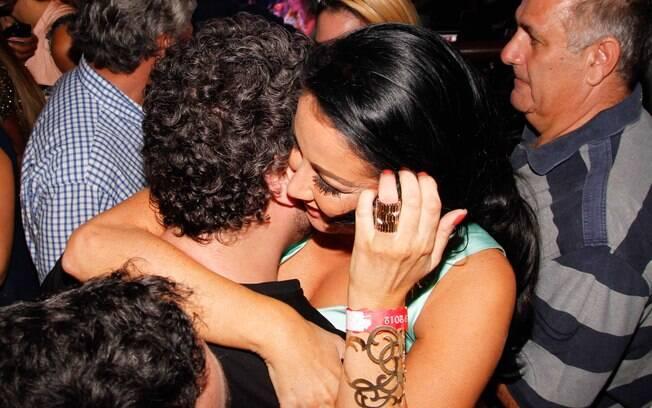 Helen Ganzarolli flertou com Selton Mello durante show de