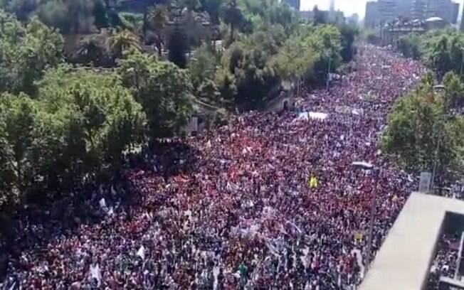 Repressão a protestos no Chile já deixou mais de 20 mortos e 9 mil presos