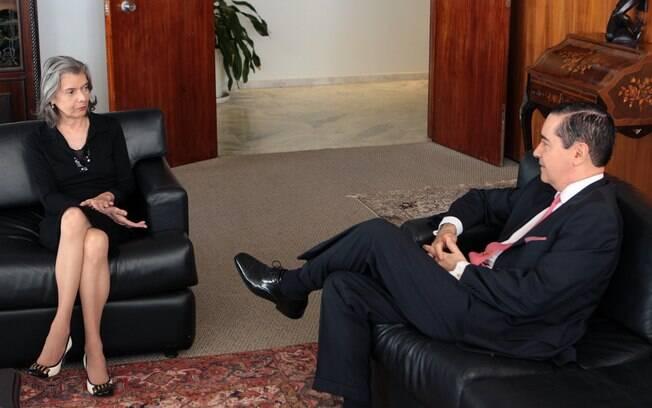 Presidente do STF, ministra Cármen Lúcia em reunião com o presidente do TRF-4 para discutir julgamento de Lula
