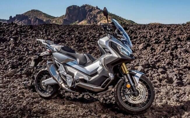Honda ADV 300: Crossover de scooter com moto off-road oferece mais acessibilidade ante a X-ADV 750
