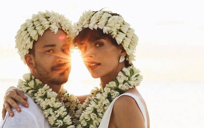 Em cerimonia discreta, Junior Lima e Monica Benini se casa pela segunda vez