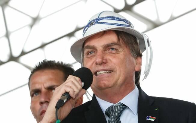 Bolsonaro durante cerimônia de inauguração do aeroporto Glauber Rocha, em Vitória da Conquista (BA)