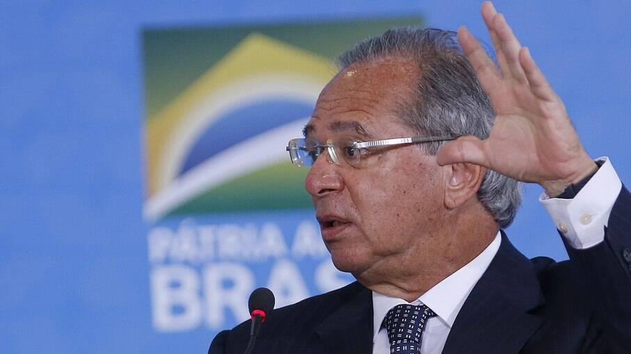 Guedes voltou a rebater previsões do FMI e diz que Brasil irá crescer pelo menos 3% em 2021