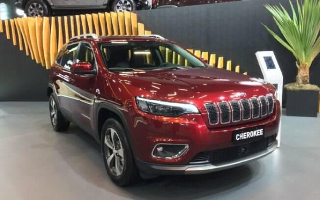 Novo Cherokee só tinha sido apresentado no exterior. Mas agora faz a sua estréia no Salão do Automóvel 2018