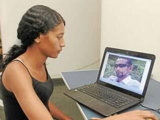 Taís lamenta a morte do pai devido à falta de leito em CTI