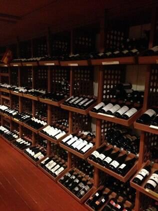 Nos bastidores do hotel Presidente Intercontinental Cidade do México, uma Cave de Vinhos guardar mais de 50 mil garrafas da bebida de vários lugares do mundo