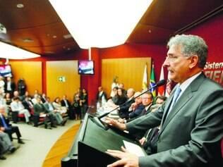Na Fiemg.  Pimentel ouviu demandas do setor industrial mineiro, mas admitiu crise hídrica grave
