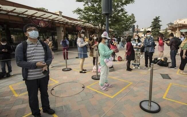 Os visitantes da Disneyland encararam um cenário diferente na reabertura do parque na China