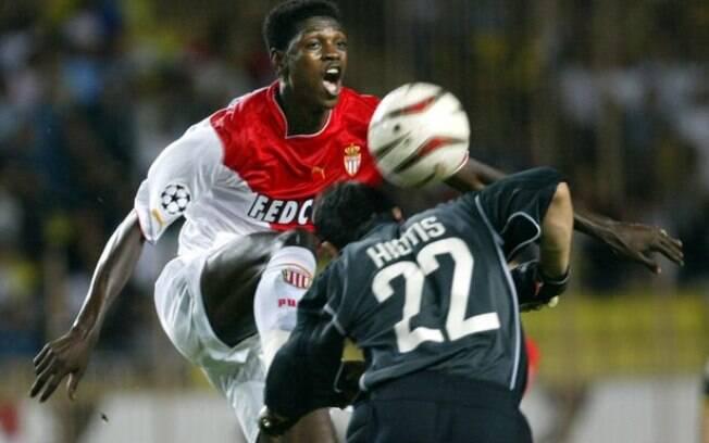 Adebayor teve destaque no time do Mônaco que se classificou para a final da Liga dos Campeões de 2004