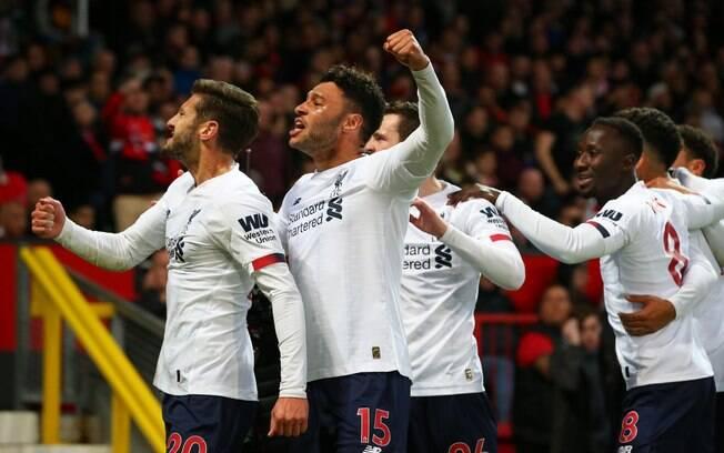 Liverpool se mantém invicto no Campeonato Inglês