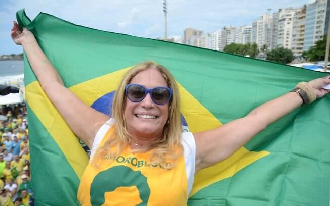 Artistas também participaram dos protestos. No Rio de Janeiro, Susana Vieira se manifestou contra Dilma Rousseff. Foto: Delmiro Junior/Futura Press - 13.03.16