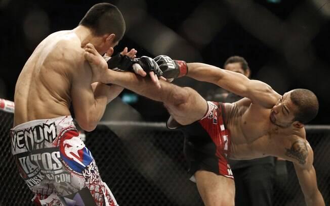 José Aldo manteve cinturão dos penas ao  derrotar o Zumbi Coreano por nocaute no quarto  round