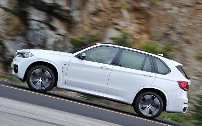 Segundo a fabricante, o X5 é bastante confortável e roda sutilmente, apesar de seu desempenho brutal