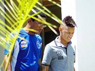Confirmado. Cruzeiro comprou 40% dos direitos de Neilton