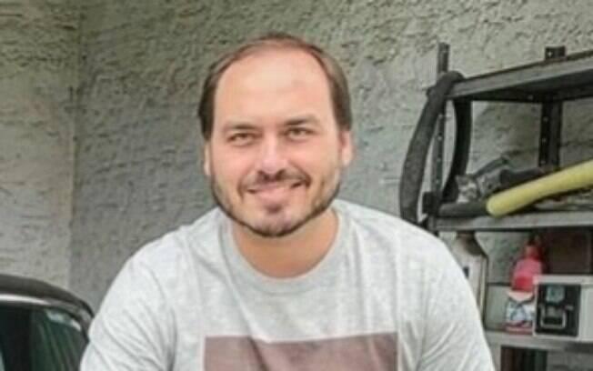 Luciano Querido era responsável pelas mídias sociais do gabinete de Carlos Bolsonaro.