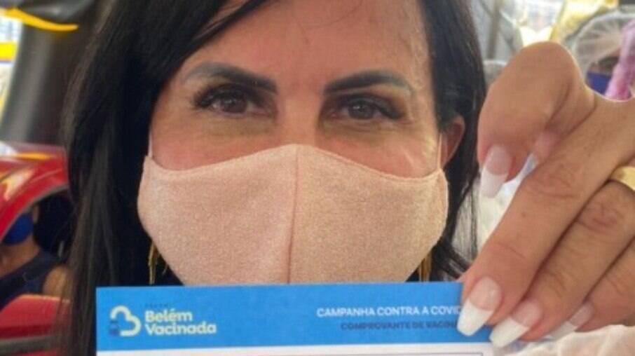 Gretchen foi vacinada em Belém